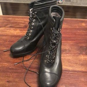 Kenneth Cole Black  lace up bootie